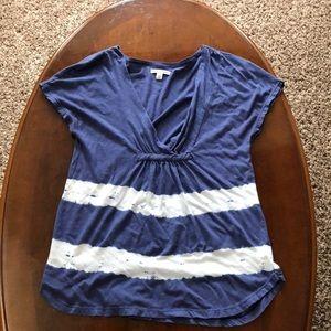 Short sleeve deep V-neck shirt 👚